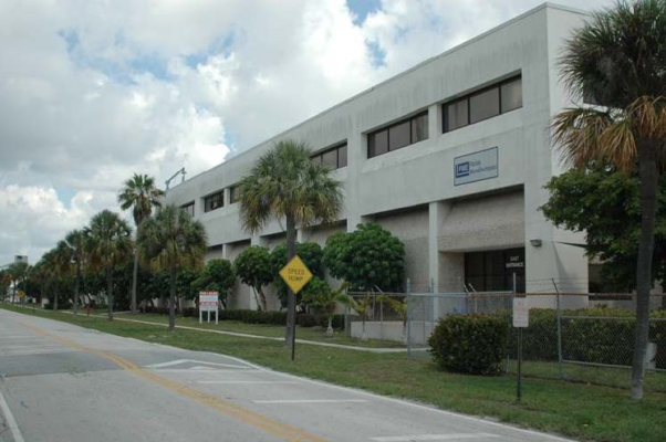 1601 Hill Ave. Industrial Complex-Mangonia Park-Florida
